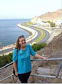 Female expat in Oman Brooke Templin enjoying a day off